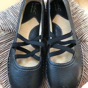 New BOC Women Black flats Leather Uppers size 9.5